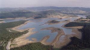 lac de montbel pays d'olmes ariege pyrenees
